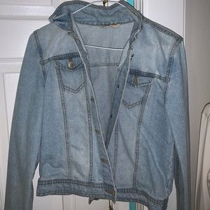 Jean jacket light washed